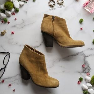 PETER NAPPI Eleanna Caramel suede ankle bootie